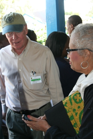 Kenya 2007 election- Ambassador Ranneberger and Connie Newman at polls